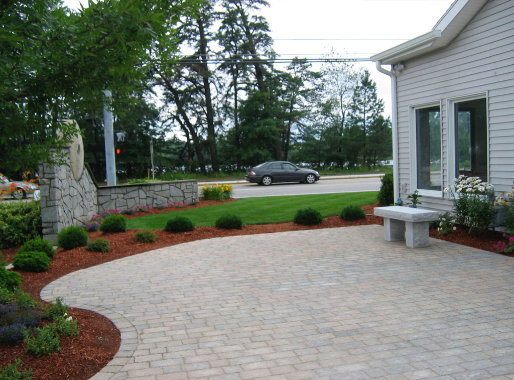 Commercial Lanscaping